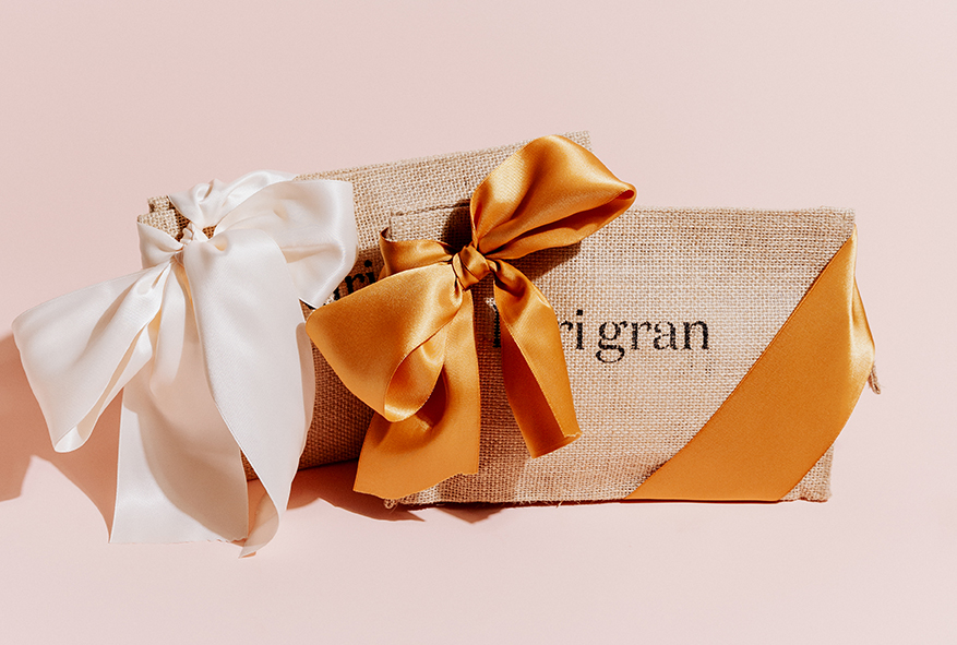 free gift wrapping for all holiday bundles