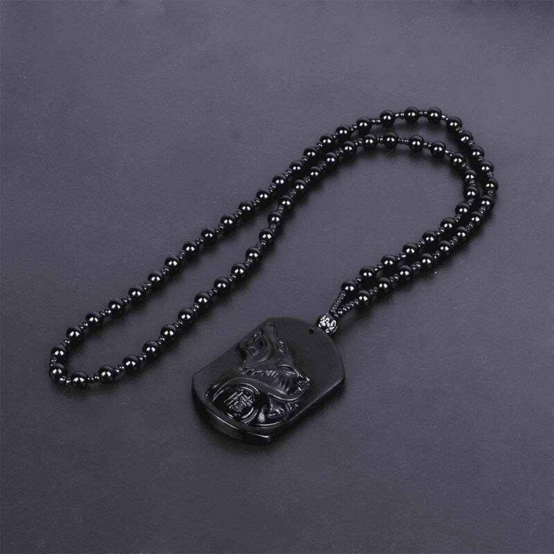 Colar do lobo em obsidiana negra