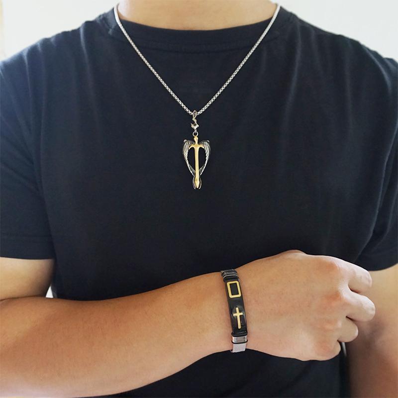 Pulseira relógio com cruz sagrada