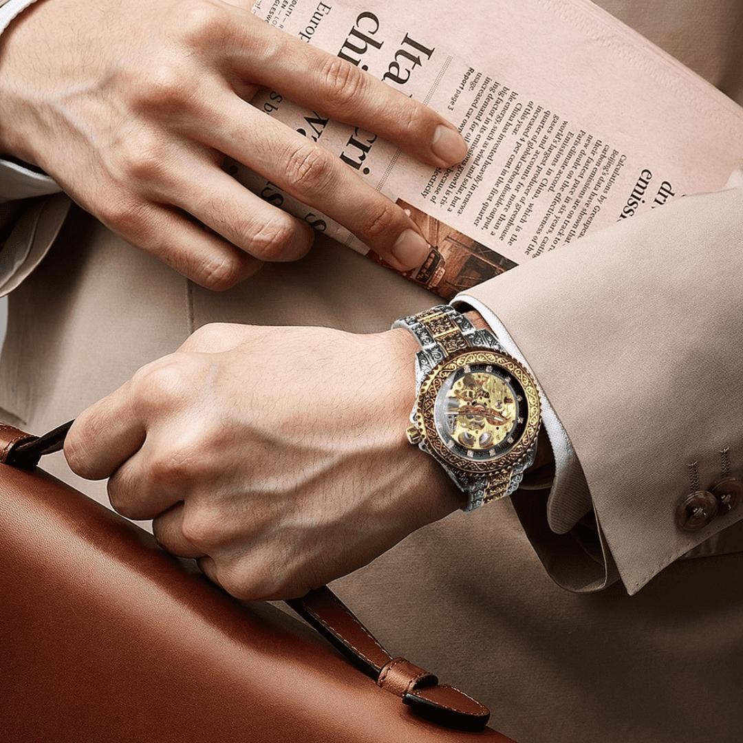 Relógio banhado a ouro - tecnologia hardlex