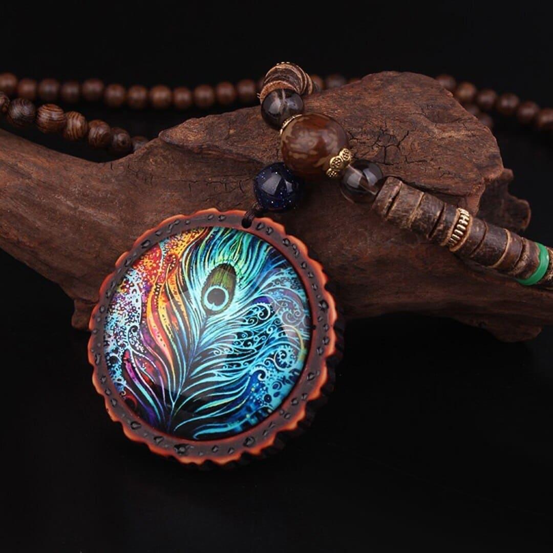 Colar Étnico Luz de Lótus – Sabedoria e Evolução Espiritual; Colar de Madeira; Colar de Pavão; Produto Unissex; SANTO STILO