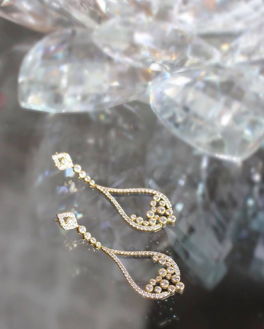 Sara Weinstock Jewelry - Brut Overflow Earrings - 18k gold and White Diamonds