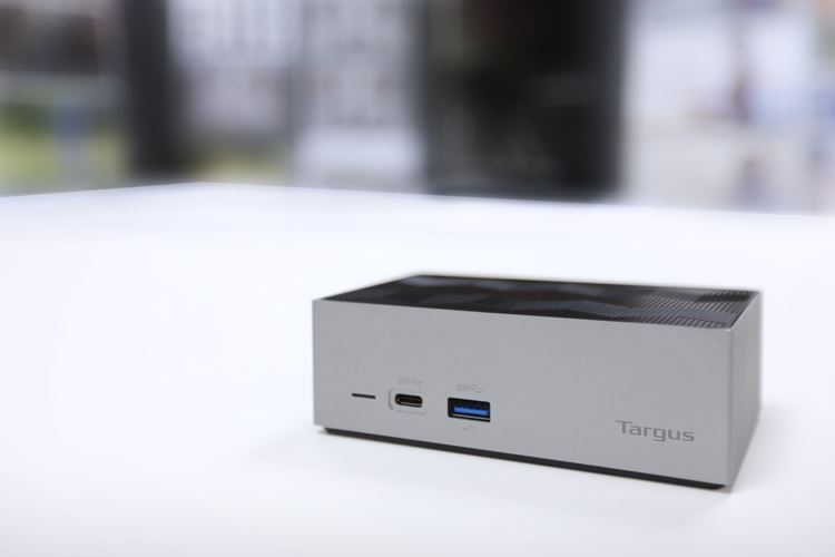 Thunderbolt™ 3 DV4K Docking Station with Power