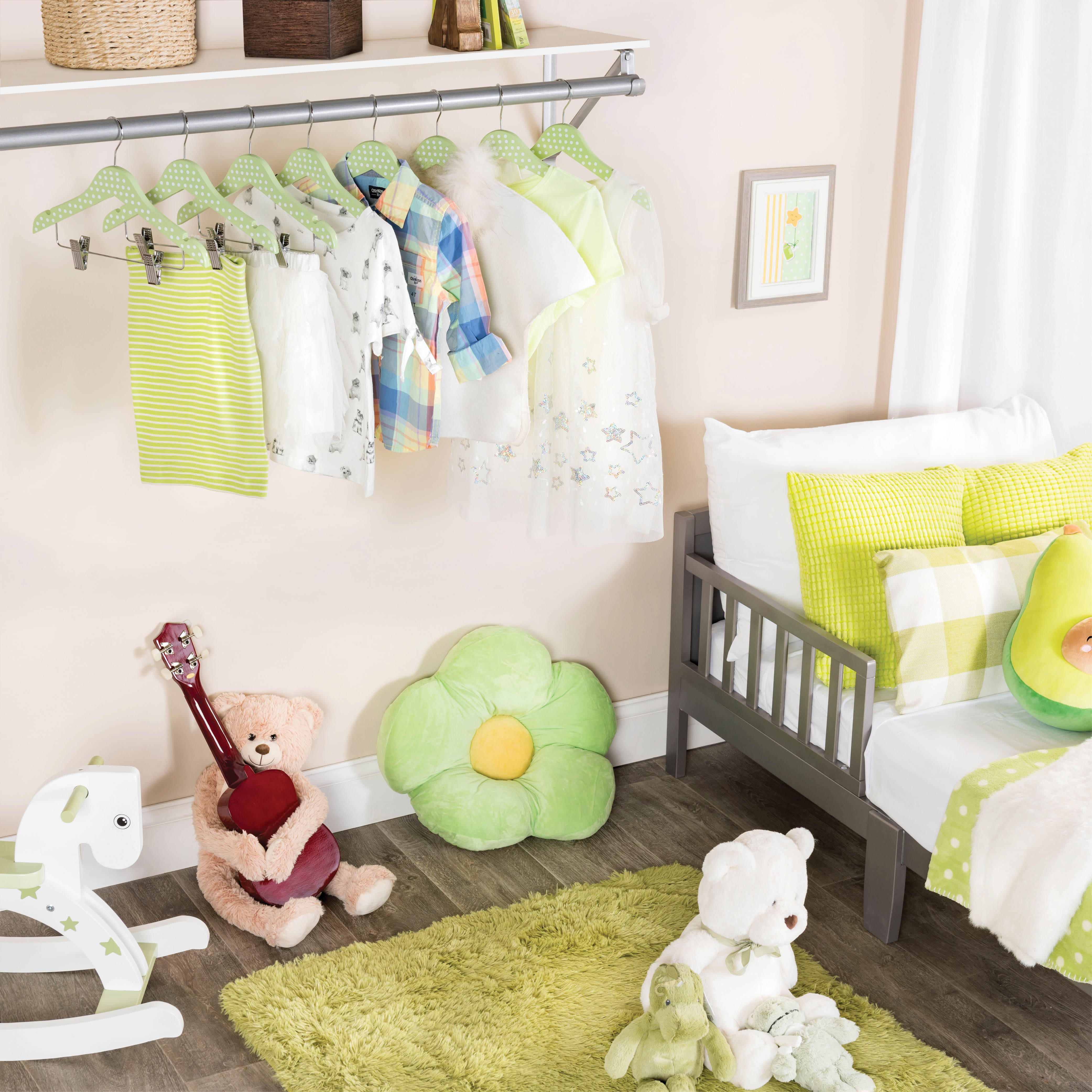 10-pack Green Polka-Dot Kids Wood Clothes Hangers with Clips