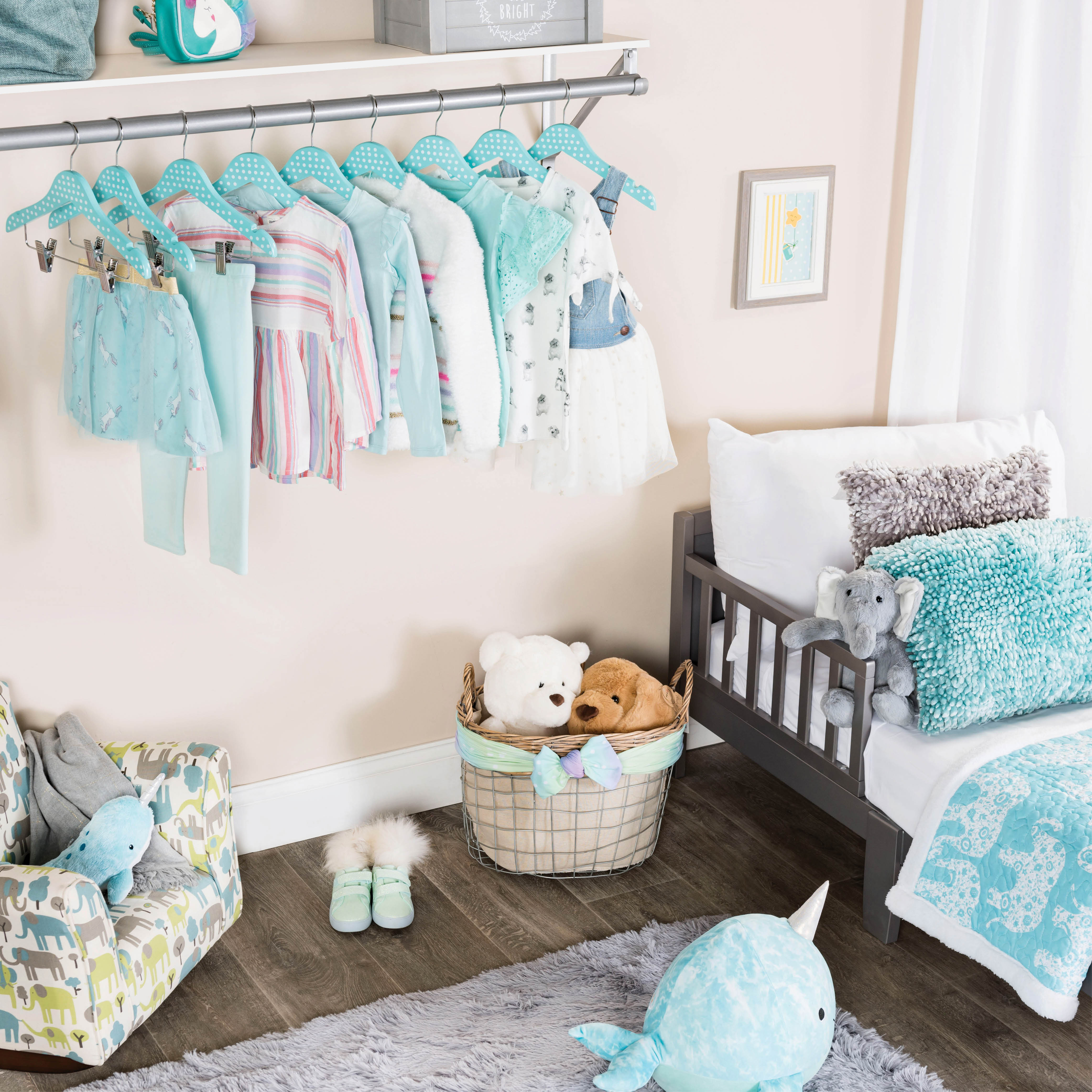 10-pack Turquoise Polka-Dot Kids Wood Clothes Hangers with Clips