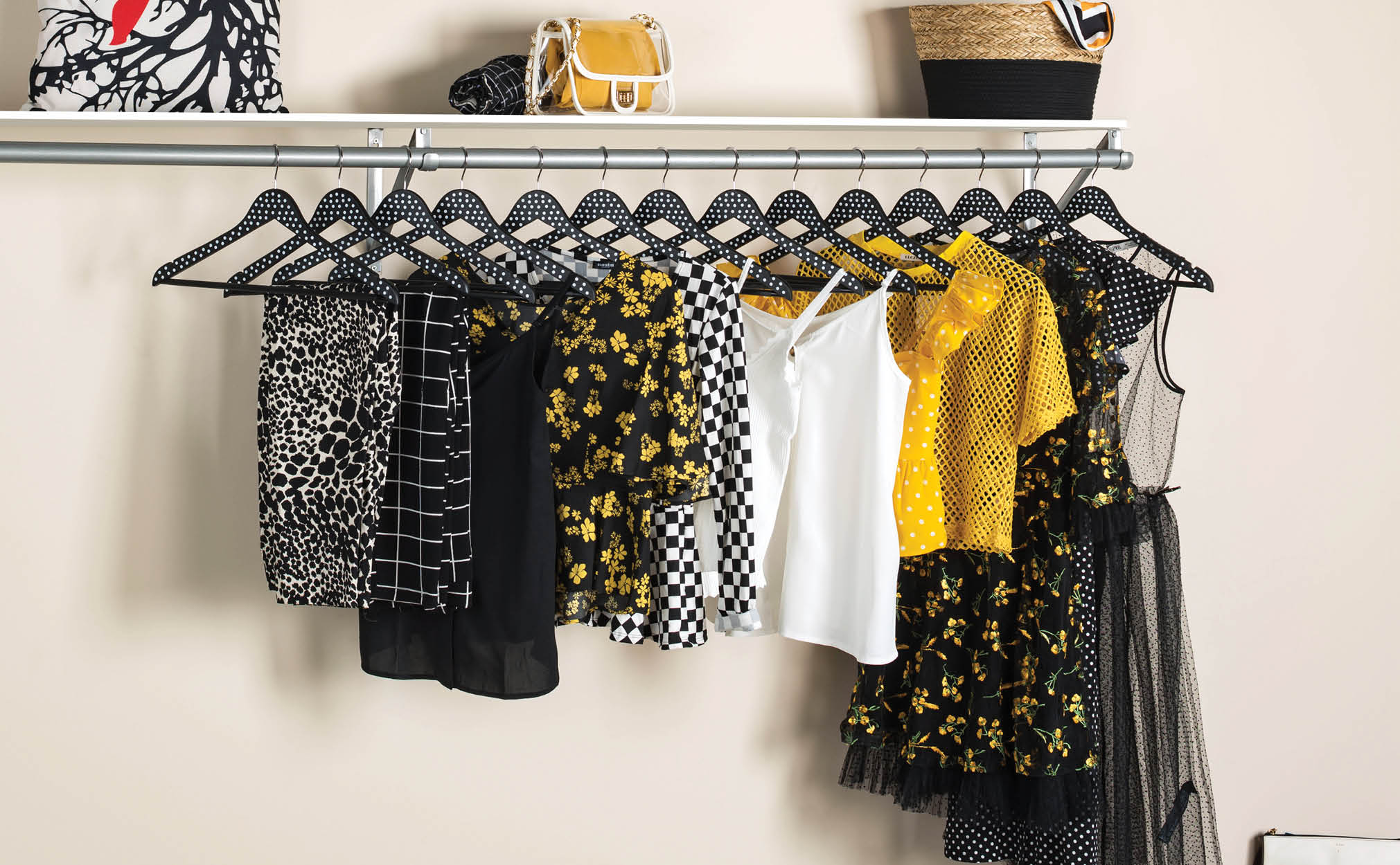 10-Pack Wooden Suit Hanger with Bar; Black with White Polka Dots